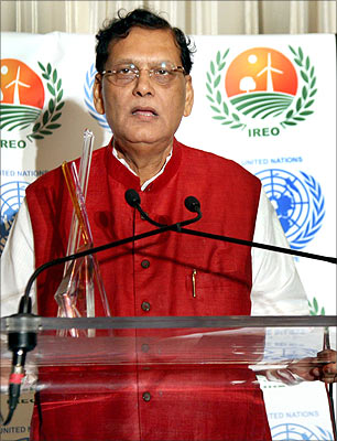 sulabh-international-founder